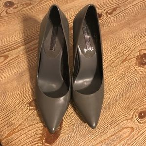 🍌Banana Republic Gray pumps